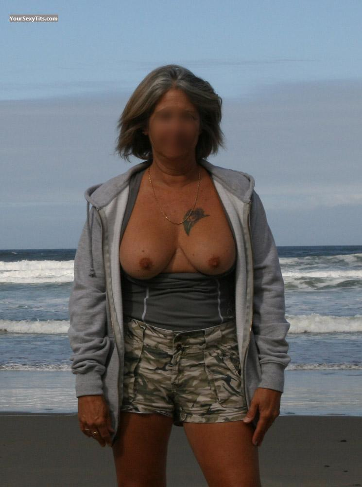 Tit Flash: Big Tits - Fchic from United States