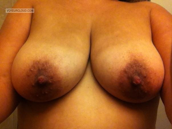 Tit Flash: Wife's Big Tits - 35yroldwife from United States