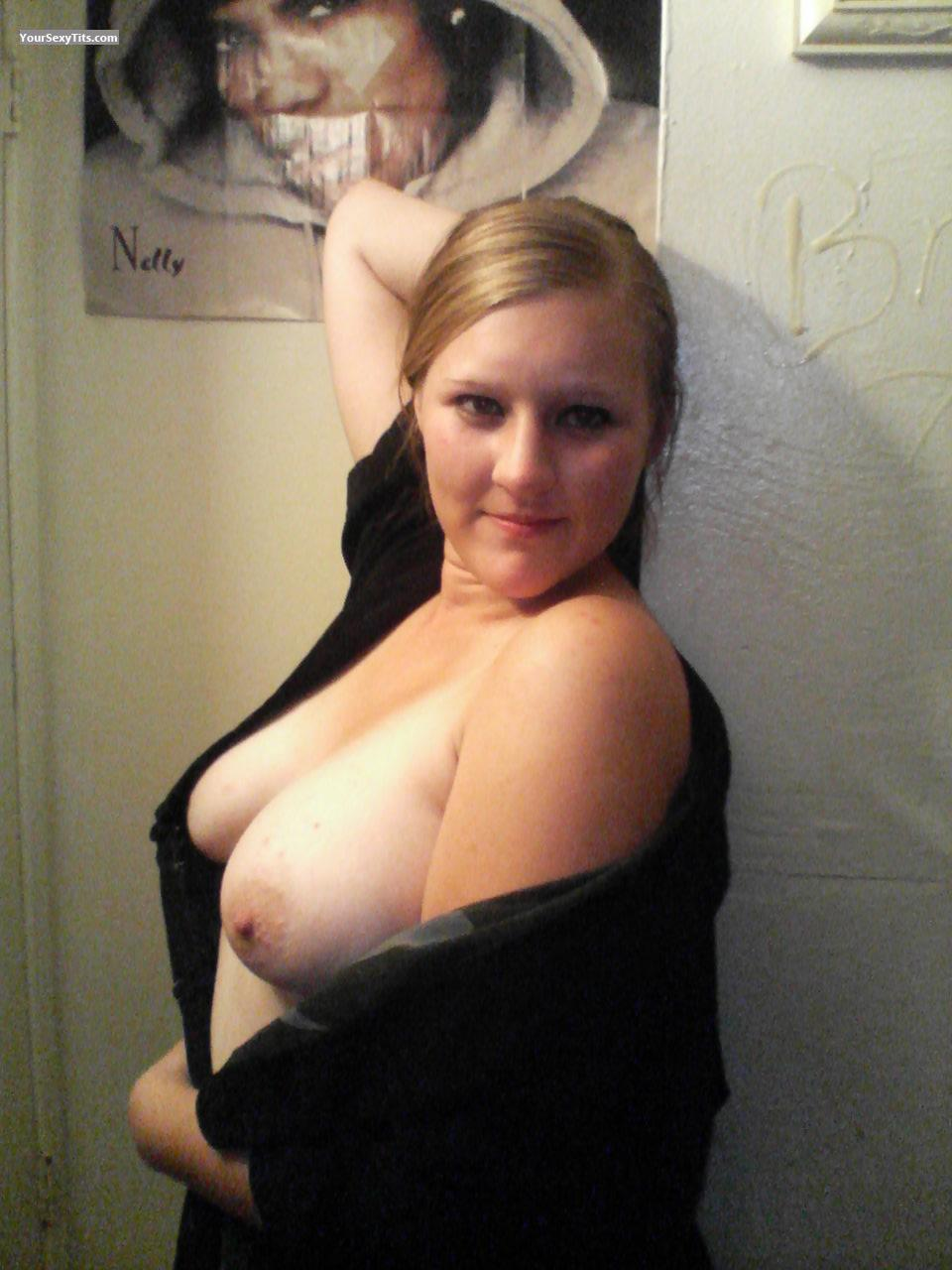 Tit Flash: Big Tits - Topless Amanda from United States