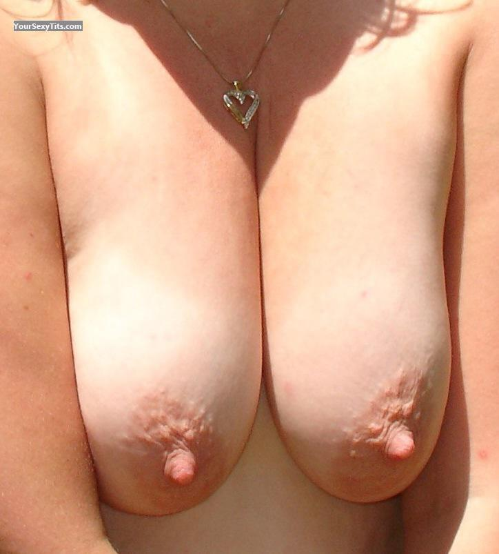 Tit Flash: Big Tits - Millie from United States