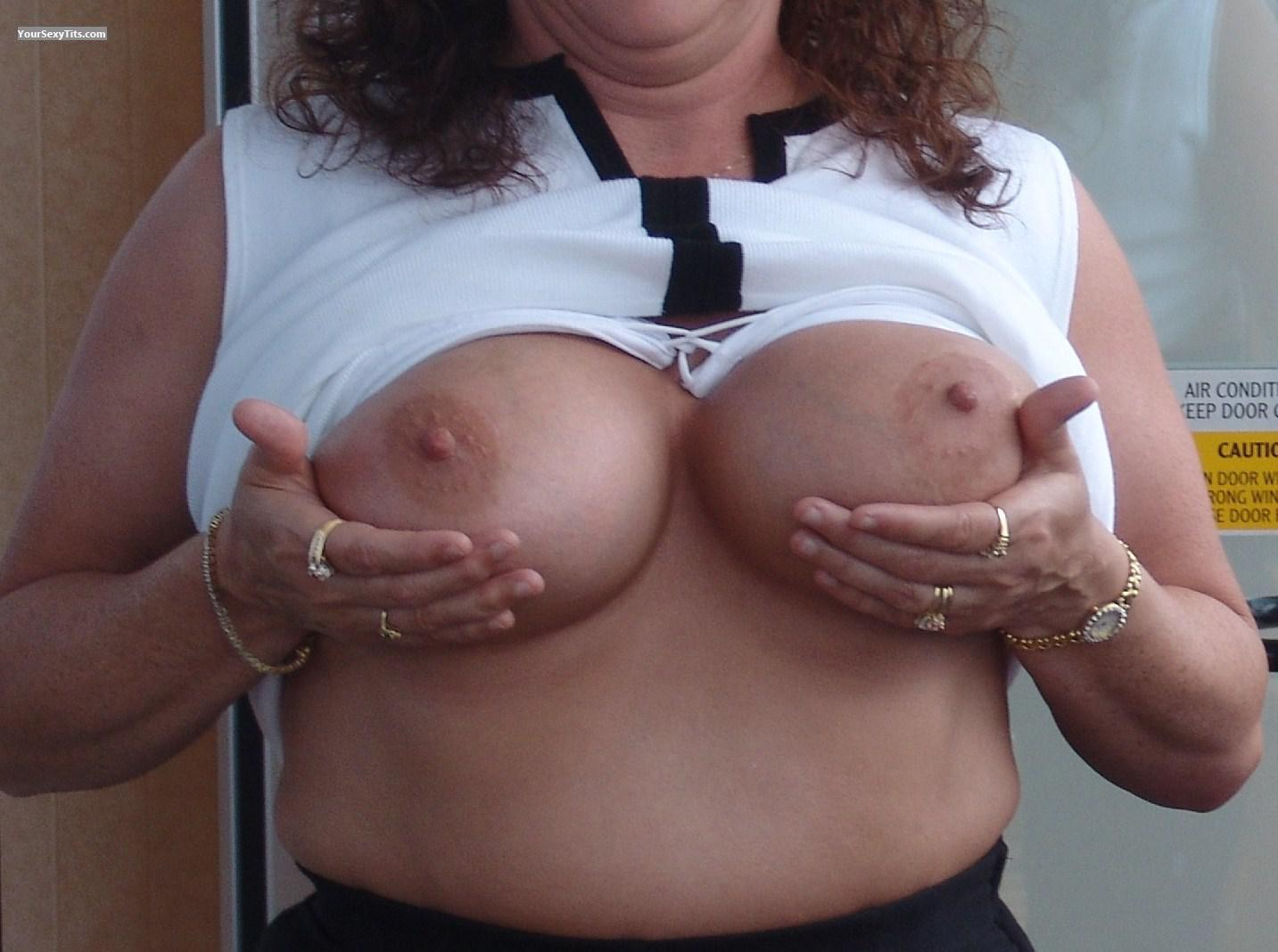 Tit Flash: Big Tits - Trouble from United States