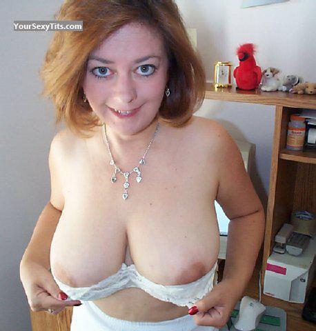 Tit Flash: Big Tits - Topless Phase3 from United States