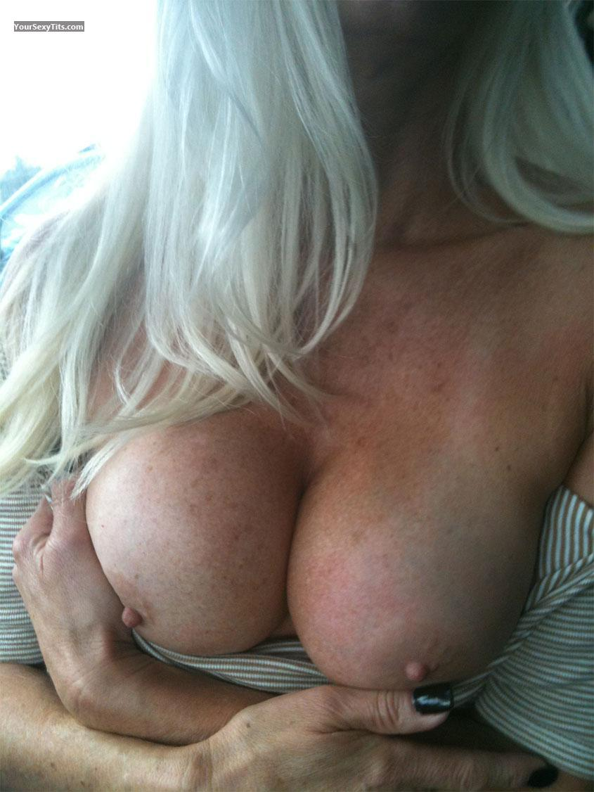 Tit Flash: Big Tits - Cali Wonder from United States