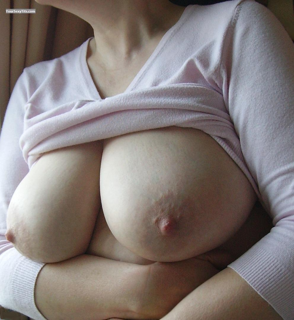 Tit Flash: Big Tits - TrudyG from United Kingdom