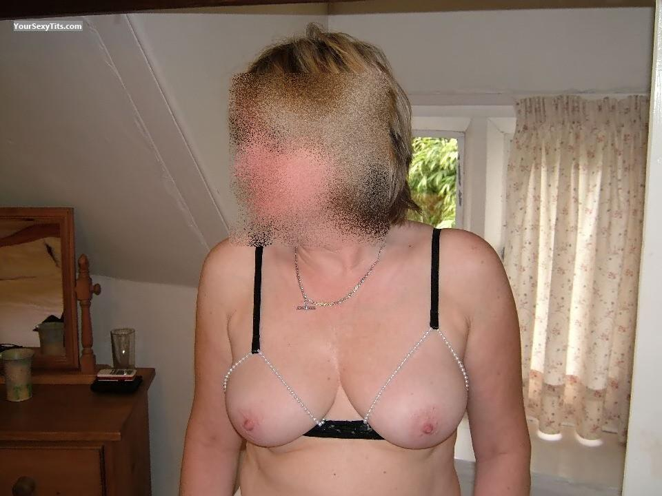 Tit Flash: Wife's Big Tits - Debbie from United Kingdom
