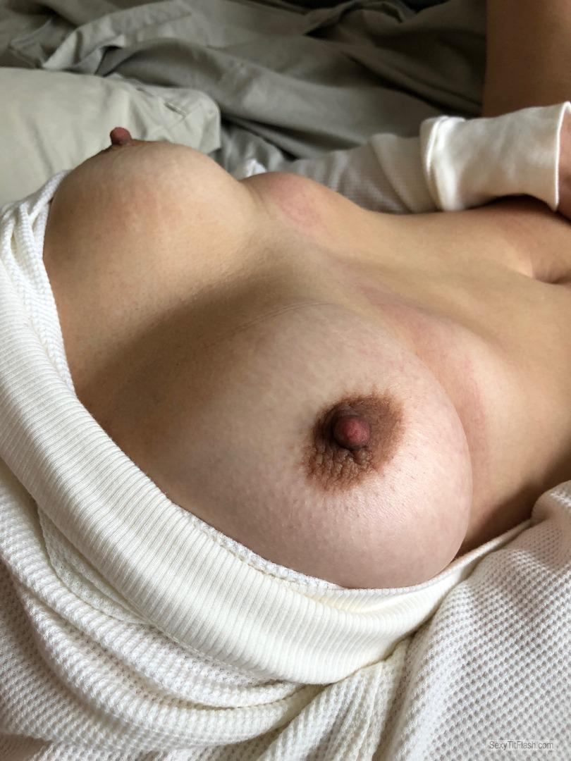 Tit Flash: Room Mate's Big Tits - Hot Anon from Australia