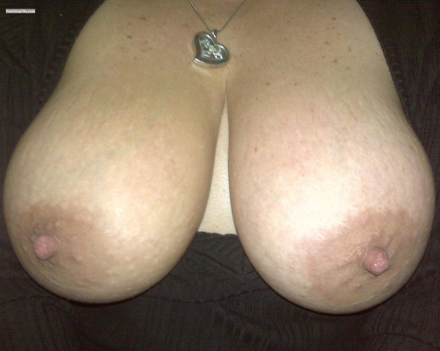 Tit Flash: Big Tits - Littlecrazy1 from United States