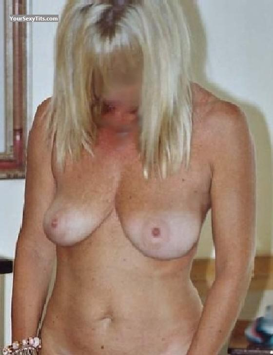 Tit Flash: Big Tits - Blondie from Italy