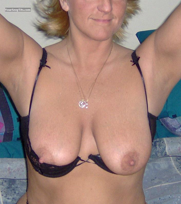 Tit Flash: Wife's Big Tits - Ibwyld from United States