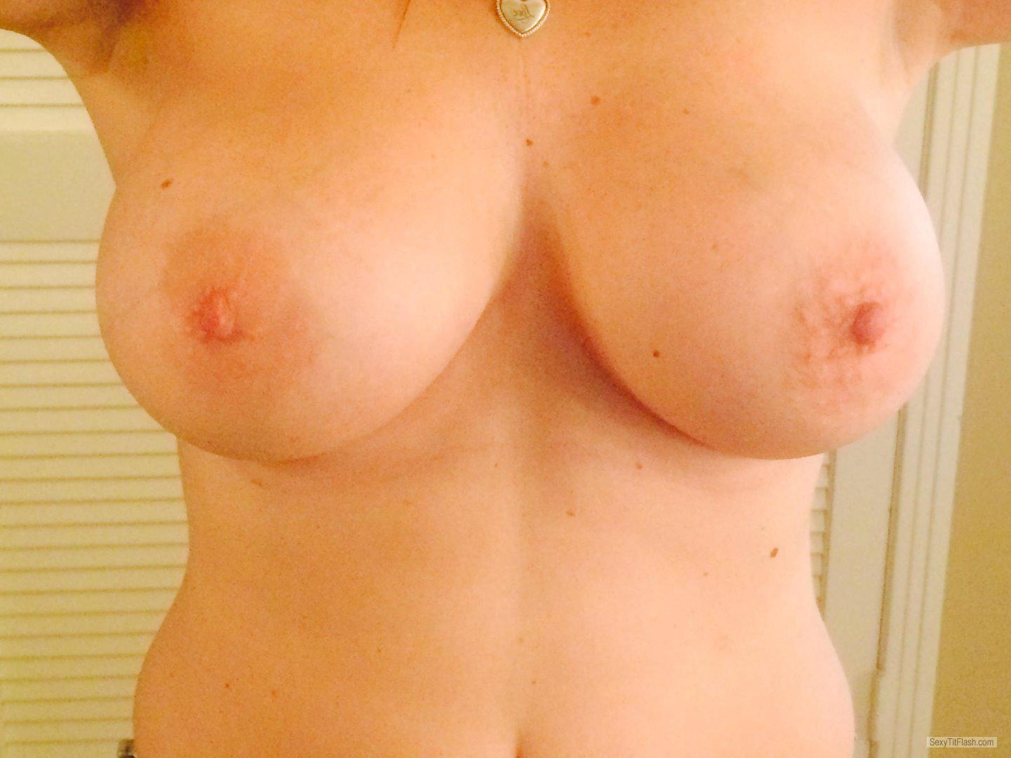 Tit Flash: Girlfriend's Big Tits (Selfie) - Hot GF from United States