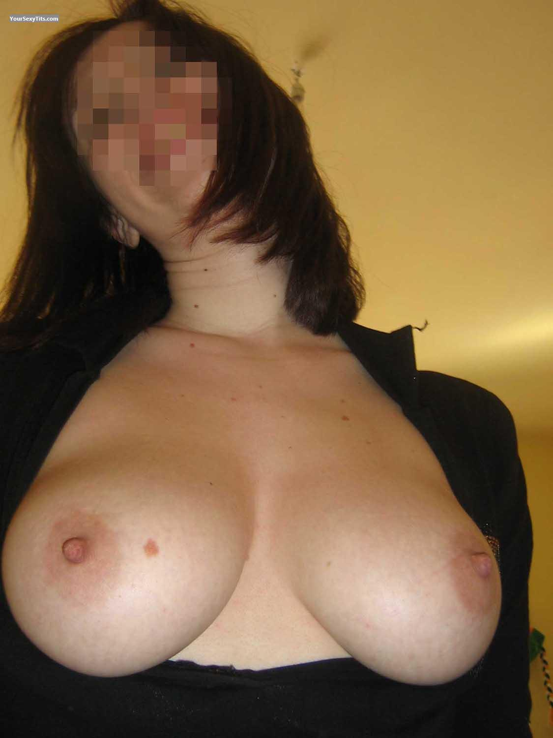 Tit Flash: Big Tits - Assso from Italy