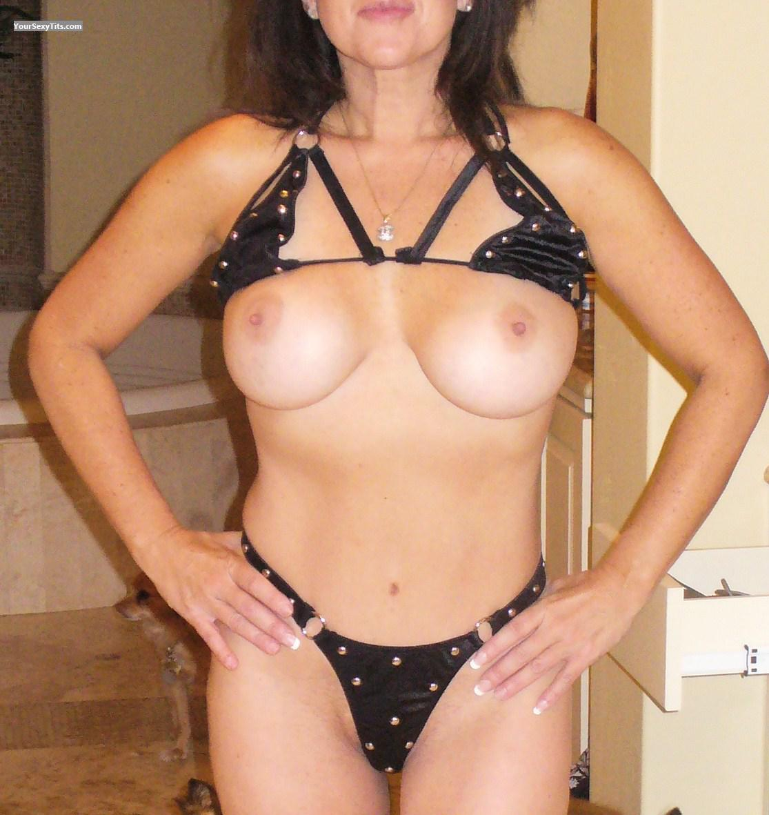 Tit Flash: Wife's Big Tits - Young Wife from United States