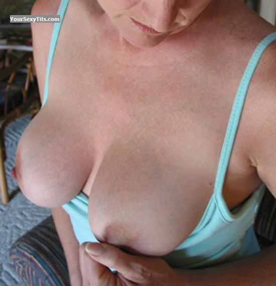 Big Tits Peaches