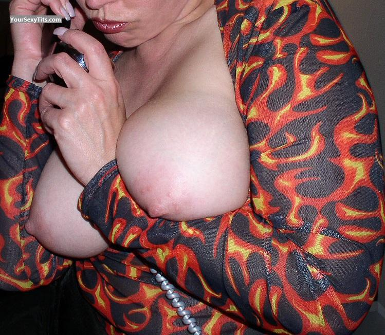 Tit Flash: Big Tits - Nips from United States