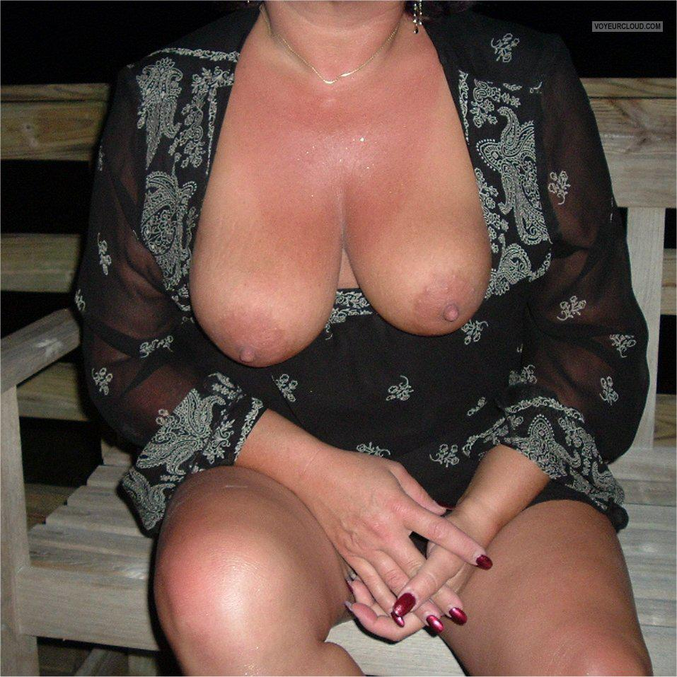 Tit Flash: Wife's Big Tits - Kahrinne from United States