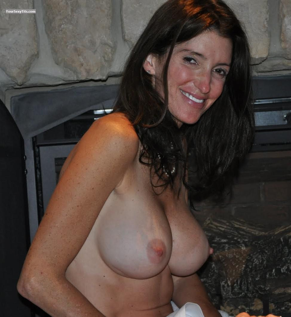 Wife showing of the tits