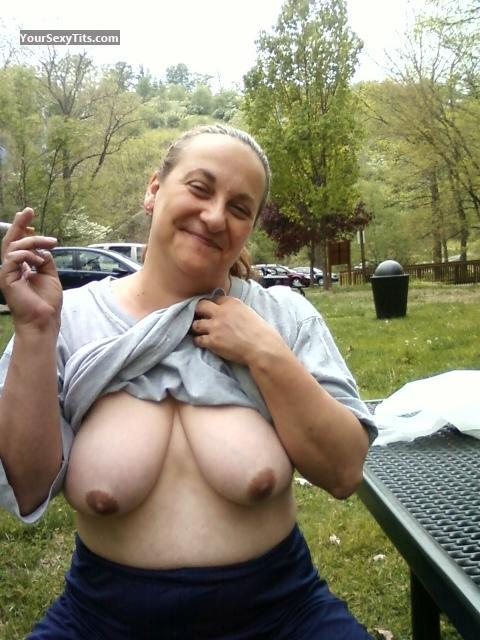 Tit Flash: Big Tits - Topless Bny from United States