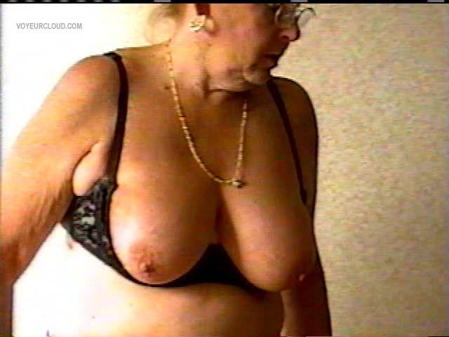 Tit Flash: My Big Tits - Topless MARIE from United States
