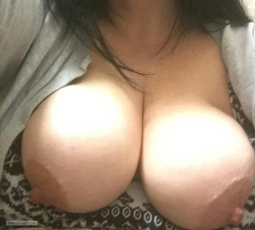 Big Tits Of My Room Mate Kelly