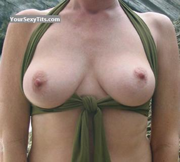 Tit Flash: Big Tits - Peaches from United States