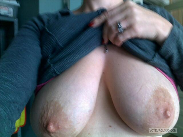 Tit Flash: My Big Tits (Selfie) - Scarlet from United States