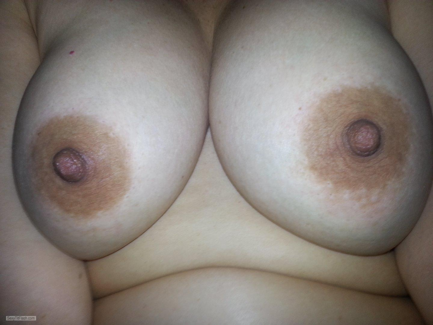 Tit Flash: Wife's Big Tits - Clava Chica from United States