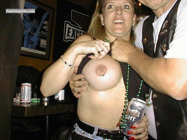 Tit Flash: Big Tits - Topless Jildo from United States