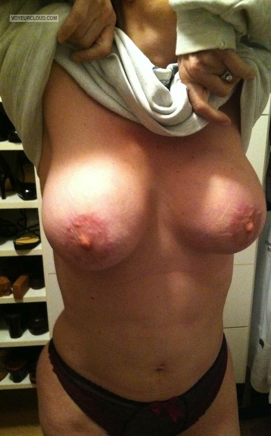 Tit Flash: Wife's Big Tits - Lea from United States