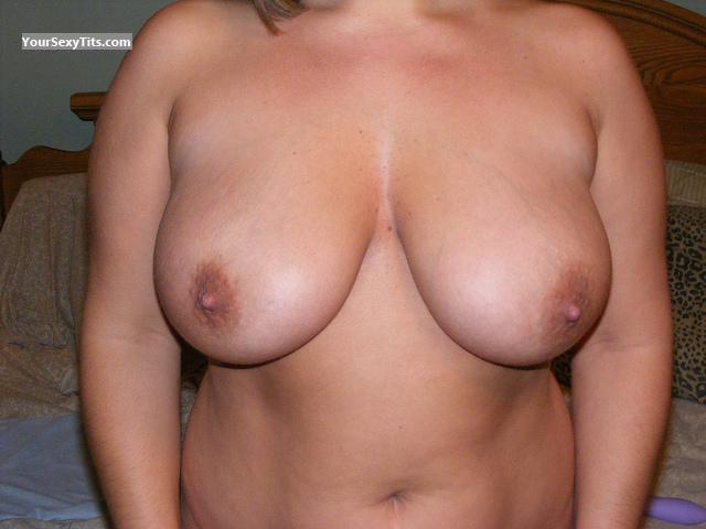 Tit Flash: Wife's Big Tits - J from United States