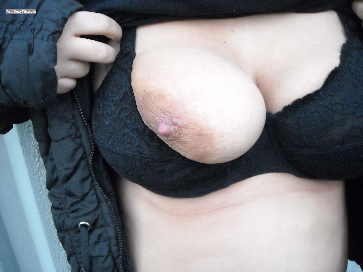 Tit Flash: Big Tits - Titi27 from Belgium