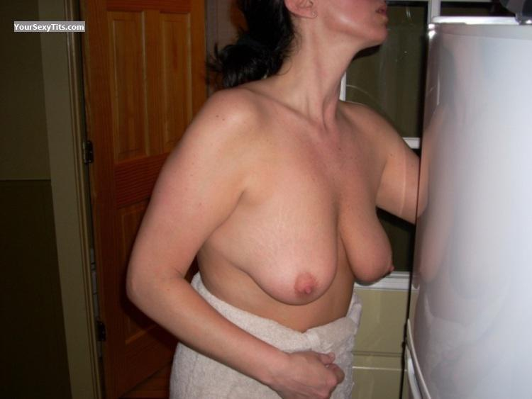 Tit Flash: Wife's Big Tits - Sos from United States
