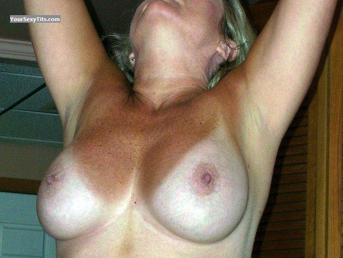 Tit Flash: Big Tits - Rhonda from United States