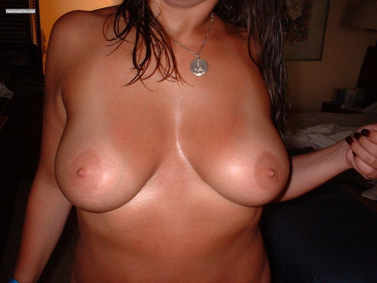 Tit Flash: Big Tits - Hotreal from United States