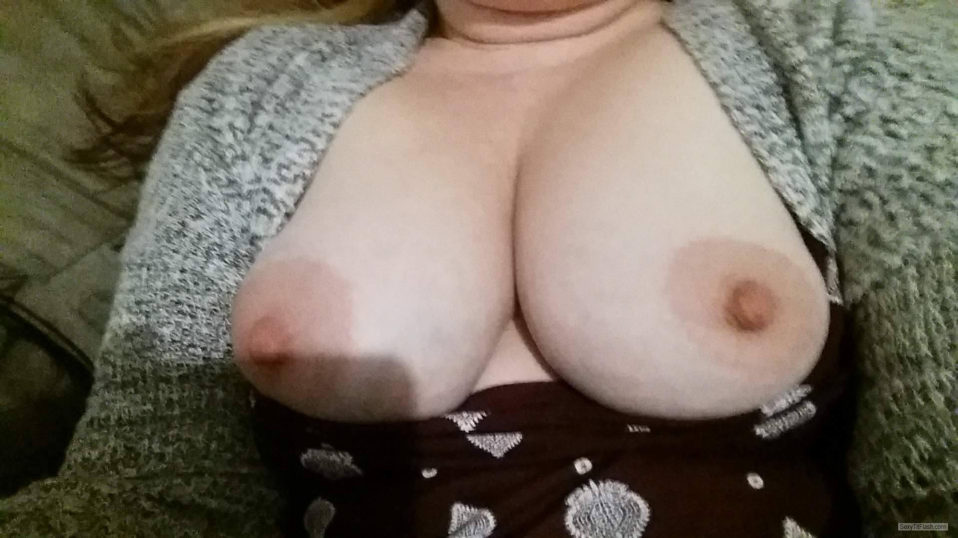 My Big Tits Topless Mysexywife