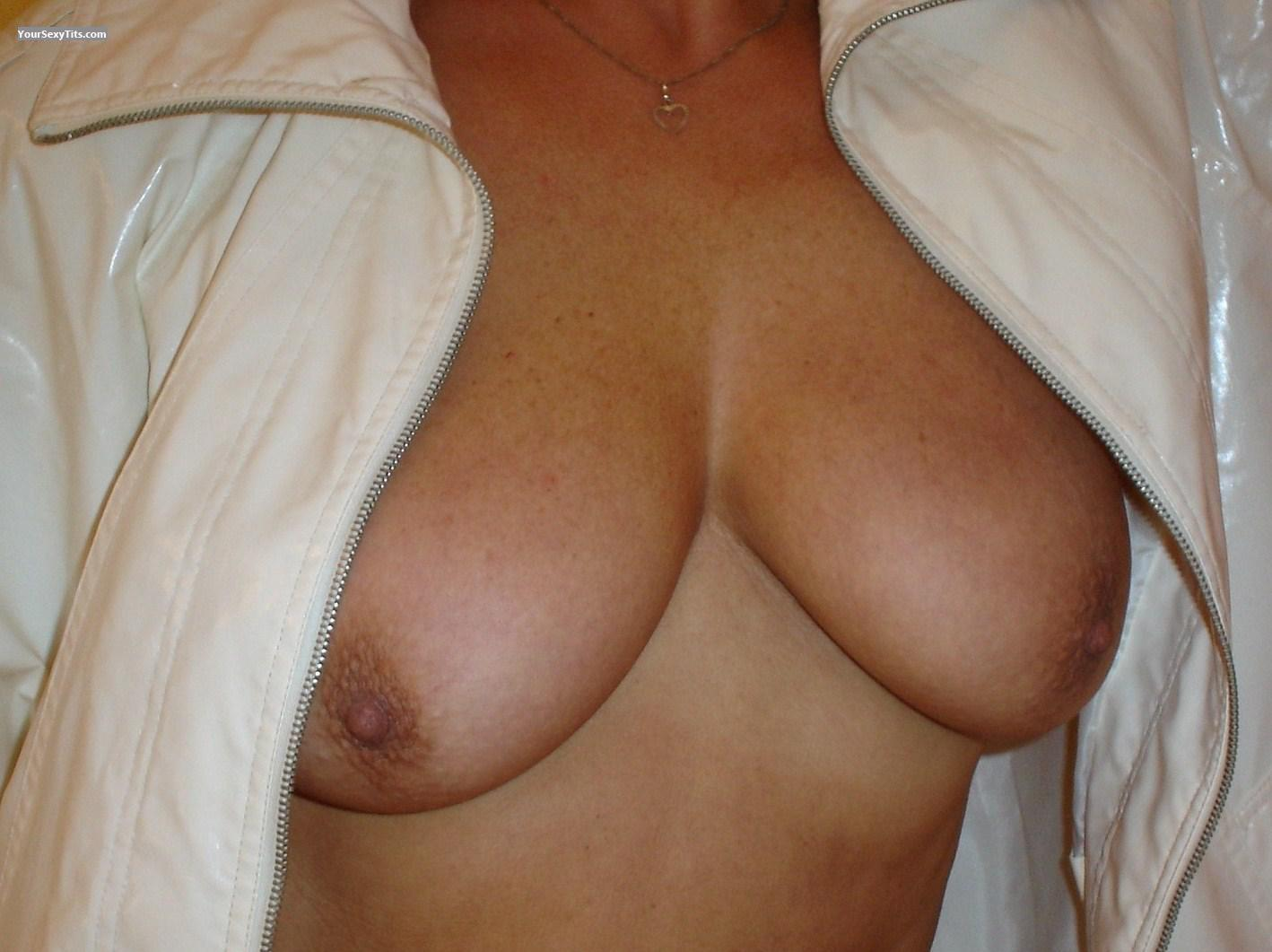 Tit Flash: Big Tits - Bianca from France