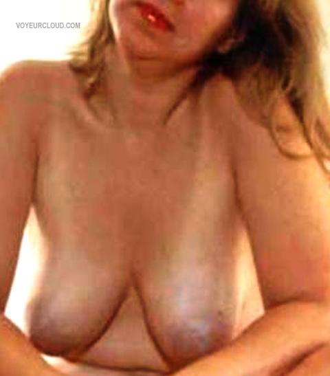 Tit Flash: Wife's Big Tits - Linda` from United States