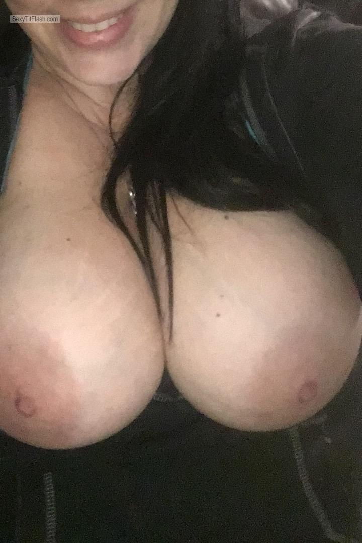Tit Flash: Wife's Big Tits - Topless Shannon from United States