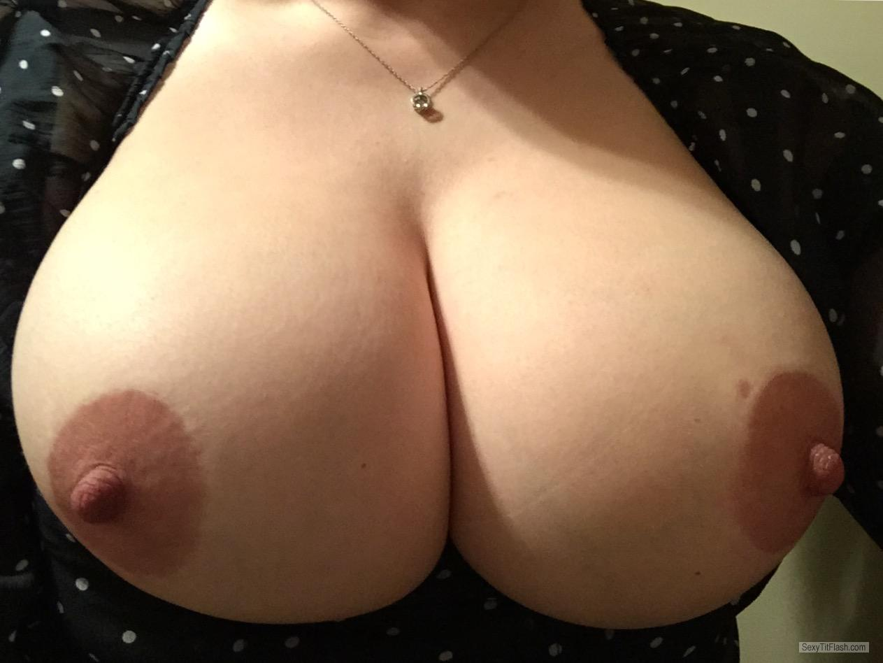 Big Tits Of My Wife Topless Working Mom