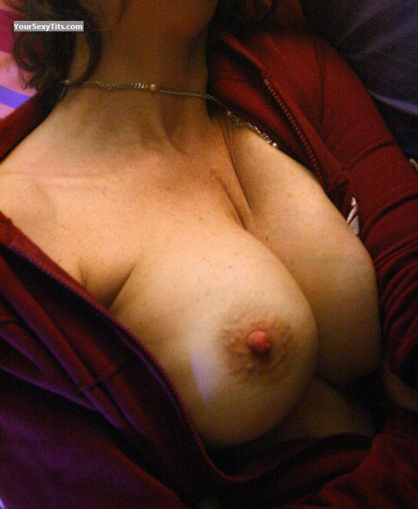 Tit Flash: Big Tits - Papessa from Italy