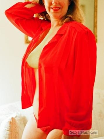 Tit Flash: Wife's Big Tits - Linda On Red from United States