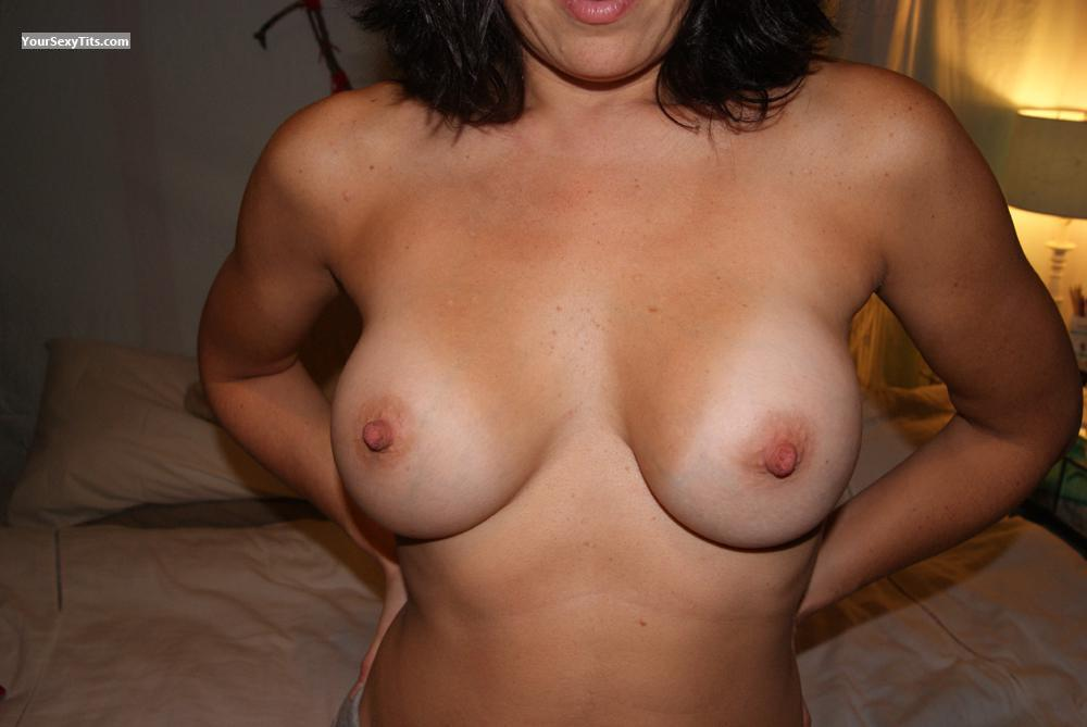 Tit Flash: Girlfriend's Big Tits - Bella from United States