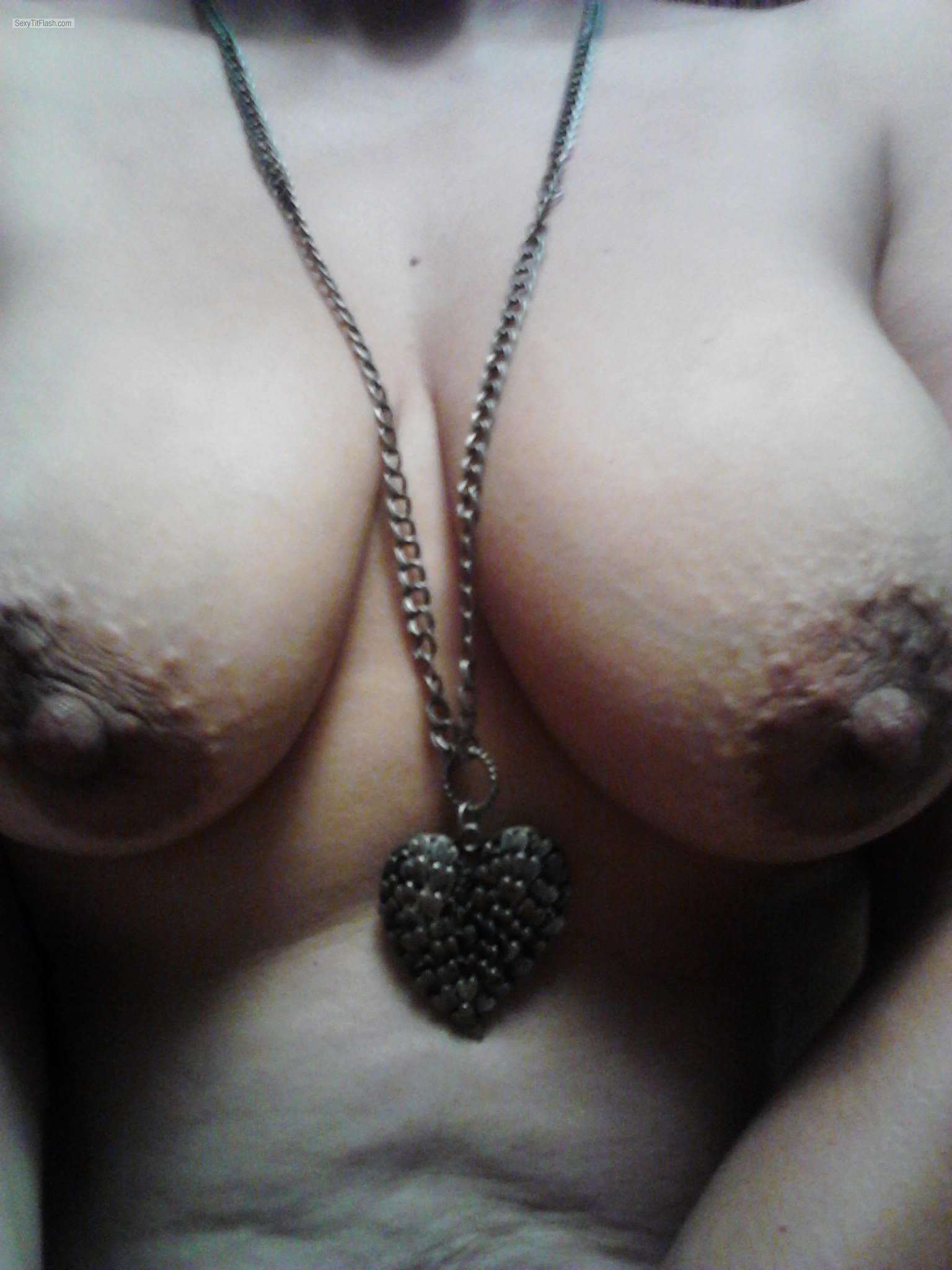Tit Flash: Wife's Big Tits (Selfie) - Roxy1976 from United States