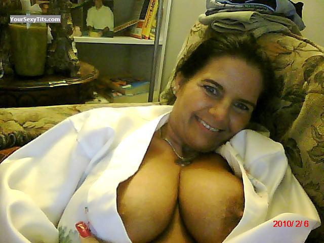 Tit Flash: Big Tits - Topless Mimi from United States