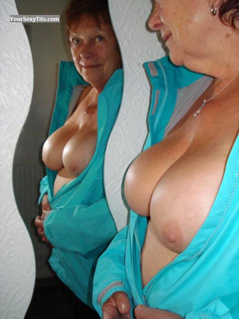 Tit Flash: Big Tits - Sexy M from United Kingdom