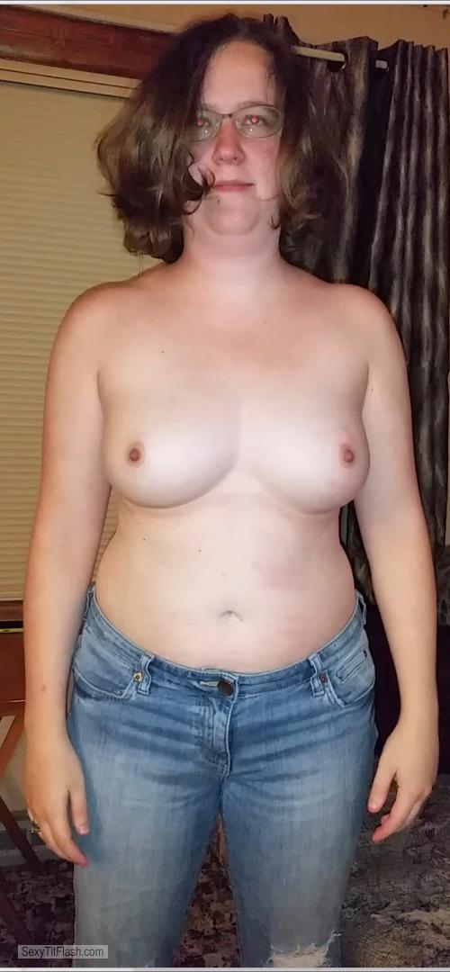 Tit Flash: Wife's Big Tits - Topless Topless Katie from United States