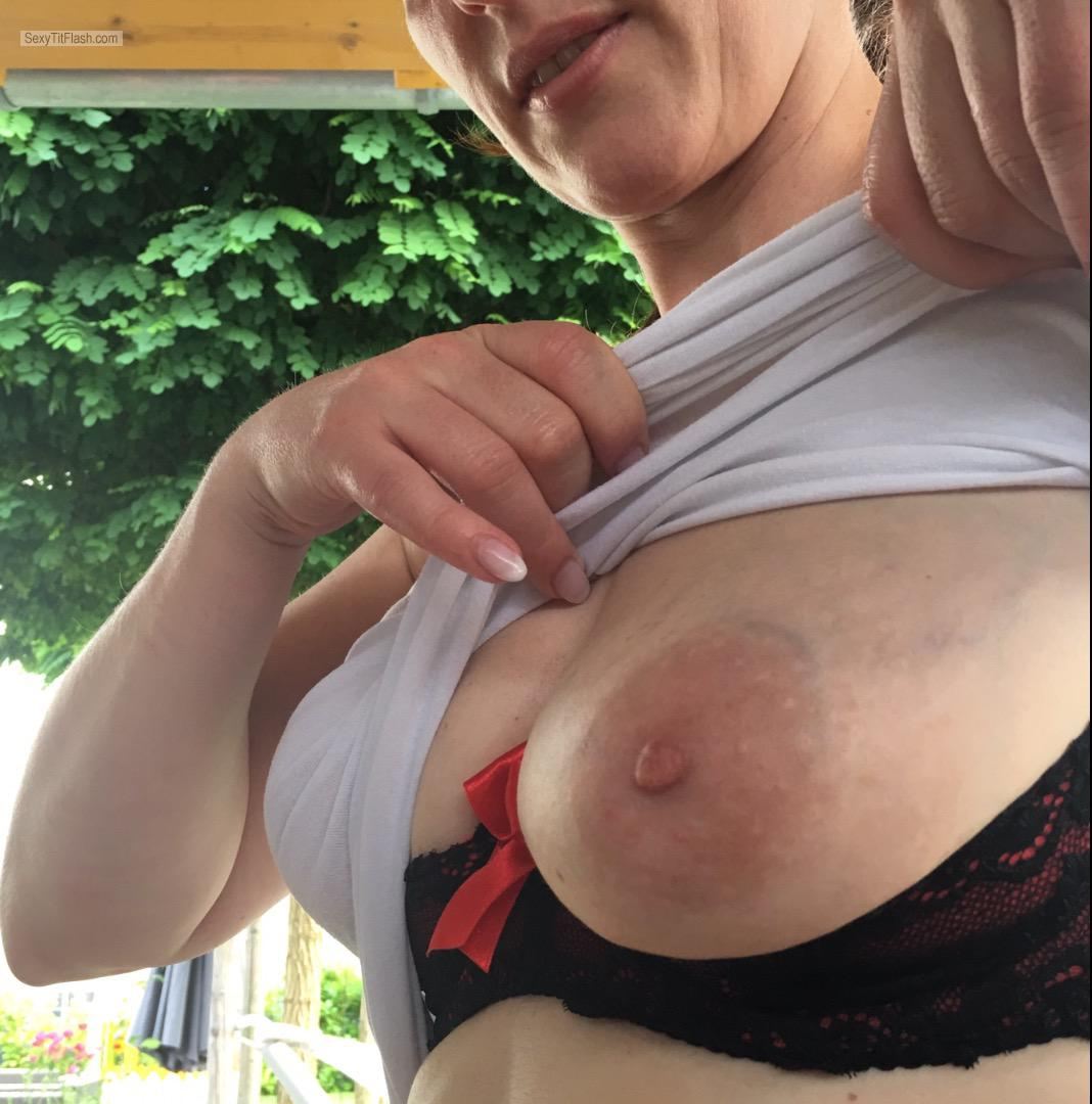Tit Flash: Wife's Big Tits - Kjsxxx from Germany