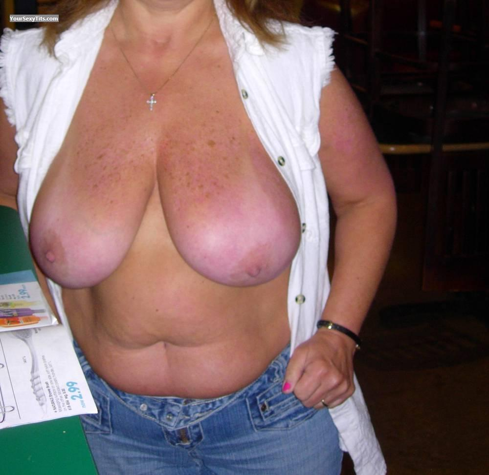 Tit Flash: Big Tits - Susie from United States