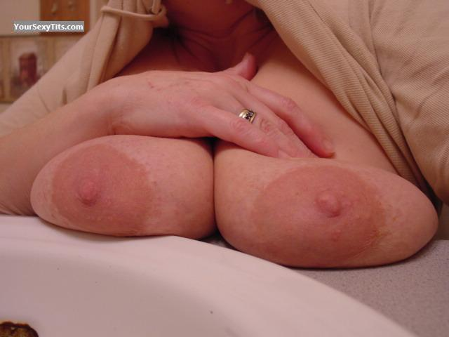 Tit Flash: Big Tits - Lisa from United States