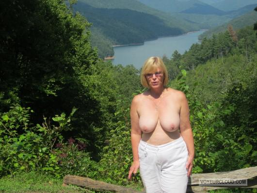 swimsuit-blowjob-roseanne-nude-topless-desi-xxx