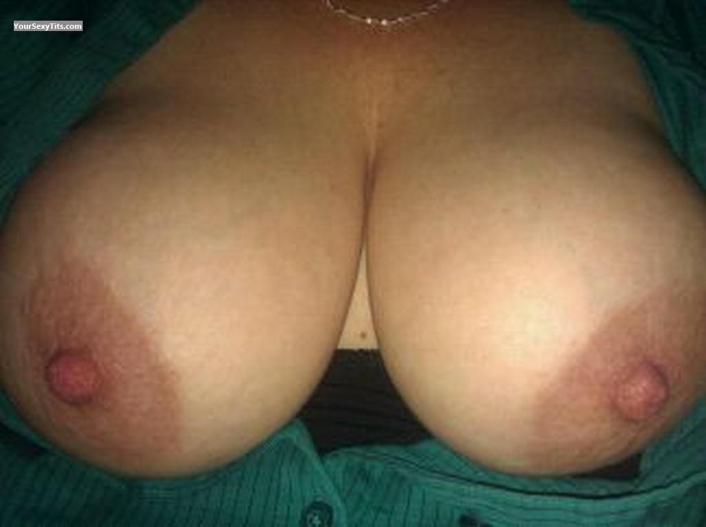 Tit Flash: Big Tits - BusomBuddy from United States